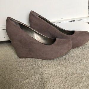 Fergalicuous faux suede wedge heels 8.5
